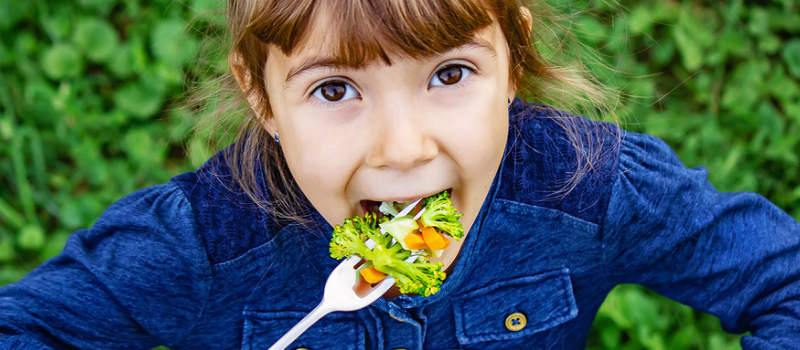 10 Tips To Encourage Your Kids To Eat More Veggies